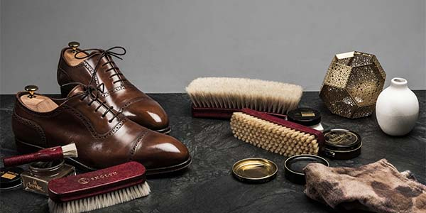 764ea8d9149b8 To care for your shoes in a good way doesn't have to be complicated at all.  Here we go through four simple steps that will extend the lifespan of your  shoes ...